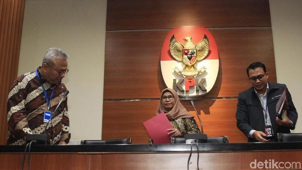 Insiden Tim KPK Merapat dan Dites Urine, Hasto Bantah Ada di PTIK