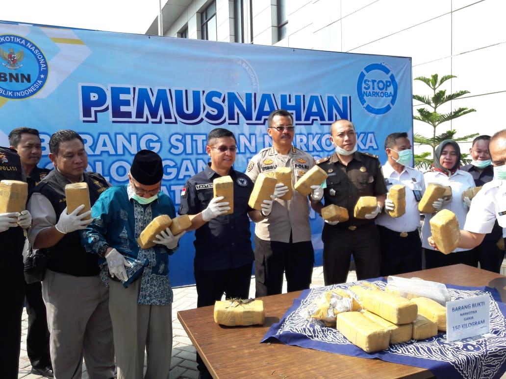 BNNP Banten Gelar Pemusnahan Barang Bukti 150 Kg Ganja