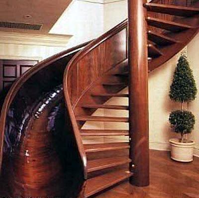 Escalera de madera tobogán