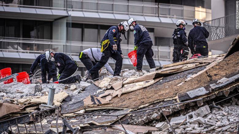 Once muertos y muchas preguntas de la caída del edificio en Miami