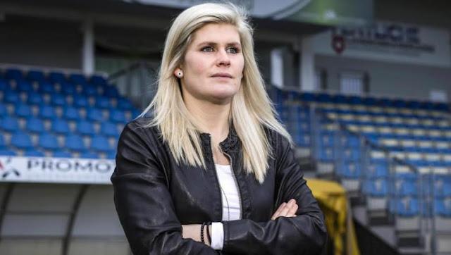 La réponse magique d'une coach allemande à une question osée d'un journaliste
