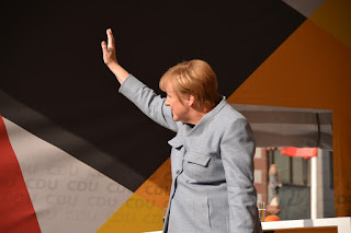 Fan fan de Merkel #LasBreves