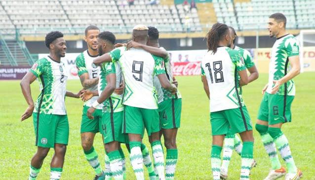 Nigeria Super Eagles players celebrate Iheanacho's goal vs Liberia