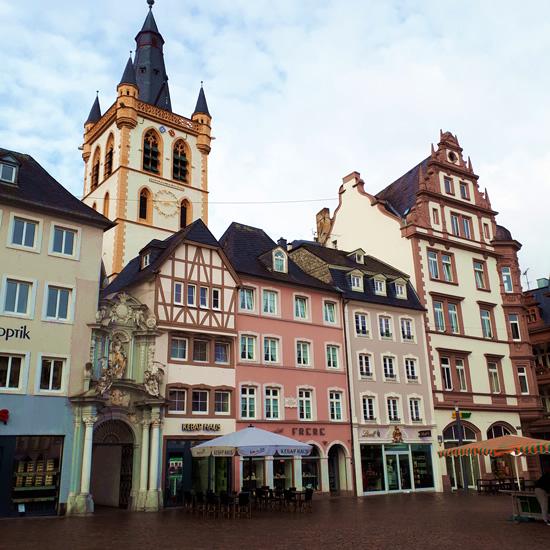 Hauptmarkt, Trier | Happy in Red
