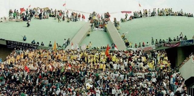 Pengertian Gerakan Reformasi serta Kondisi Ekonomi dan Politik Indonesia Sebelum Era Reformasi