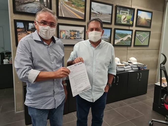 Prefeito Antônio Martins assina o termo  de adesão ao Programa Sinalize do Governo do Ceará