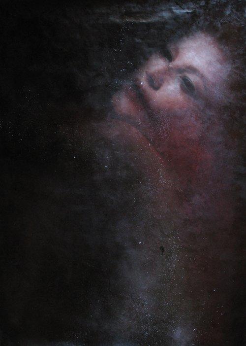 Marco Rea pinturas com spray retratos sombrios melancólicos assombrados mulheres publicidade moda