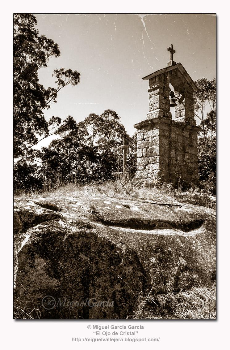 A Espenuca (Coirós). La Cama de Santa Eulalia.