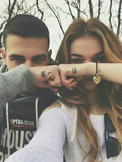 Avuç yanı sevgili dövmesi