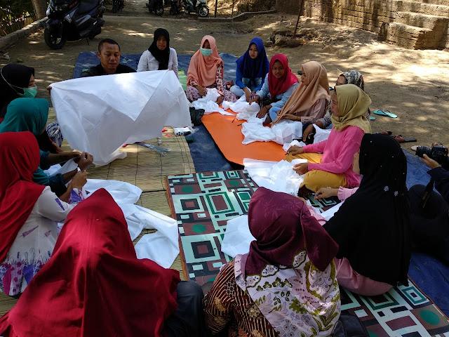 Perkumpulan Skala bersama CSR Sampoerna untuk Indonesia Gelar Pelatihan Batik Shibori di Lombok