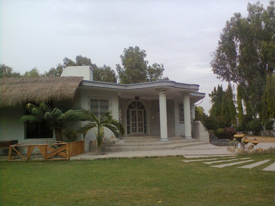 TAIF FARM HOUSE: Farm House 4 Rent In Karachi