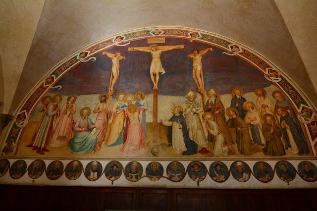 Crucifixion avec les Saints - Fra Angelico - 1441