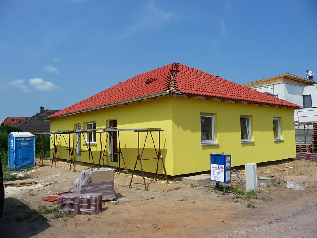 wir bauen einen fibav bungalow gelb ja gelb ist nun unser h uschen. Black Bedroom Furniture Sets. Home Design Ideas