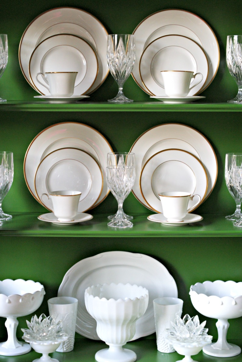 GREEN CHINA CABINET Dimples and Tangles