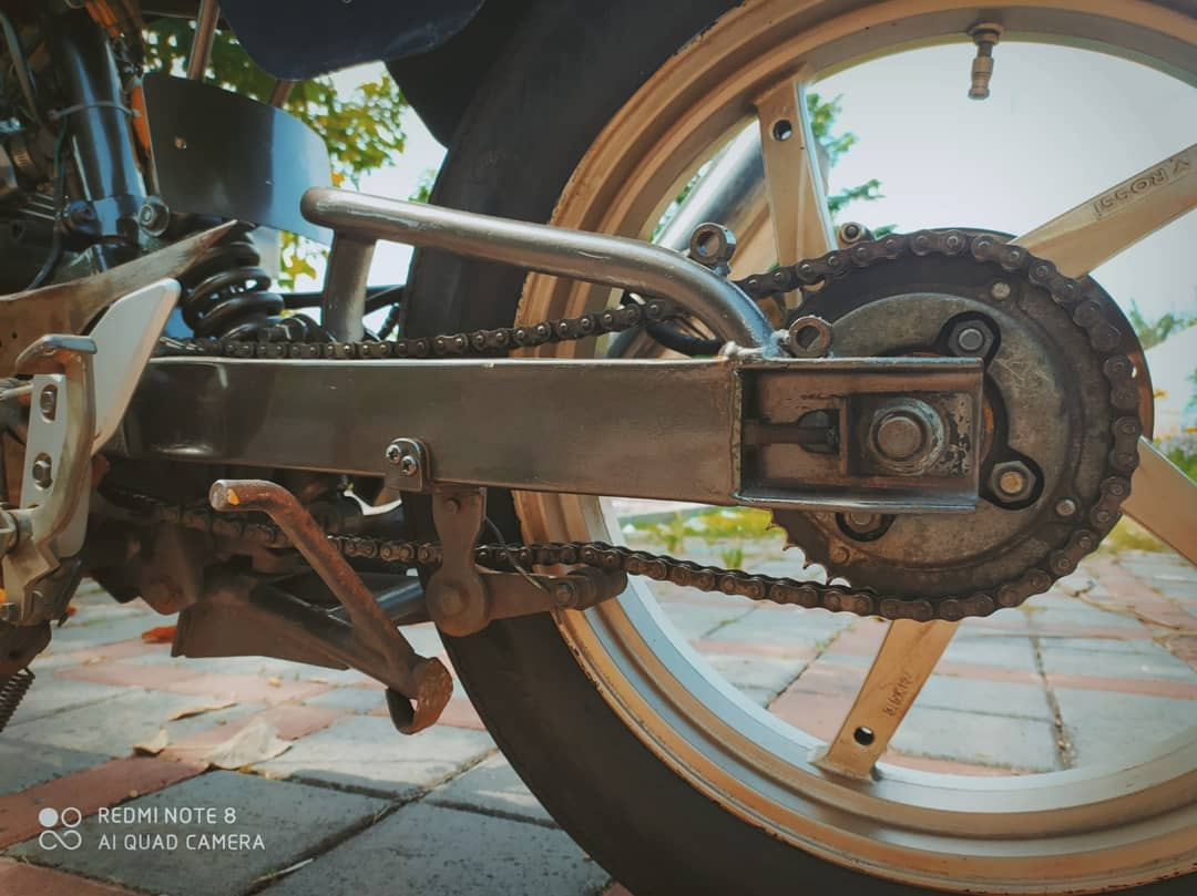 Swing arm banana mono honda tiger