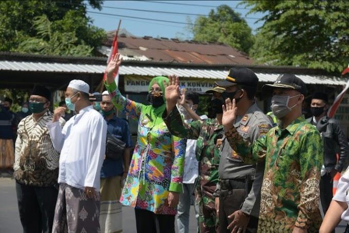 Bupati Lepas 176 Santri Baru PP Salafiyah Safi' Iyah Situbondo ,Santri  Sudah Menjalani Rapid Test Kesehatan.