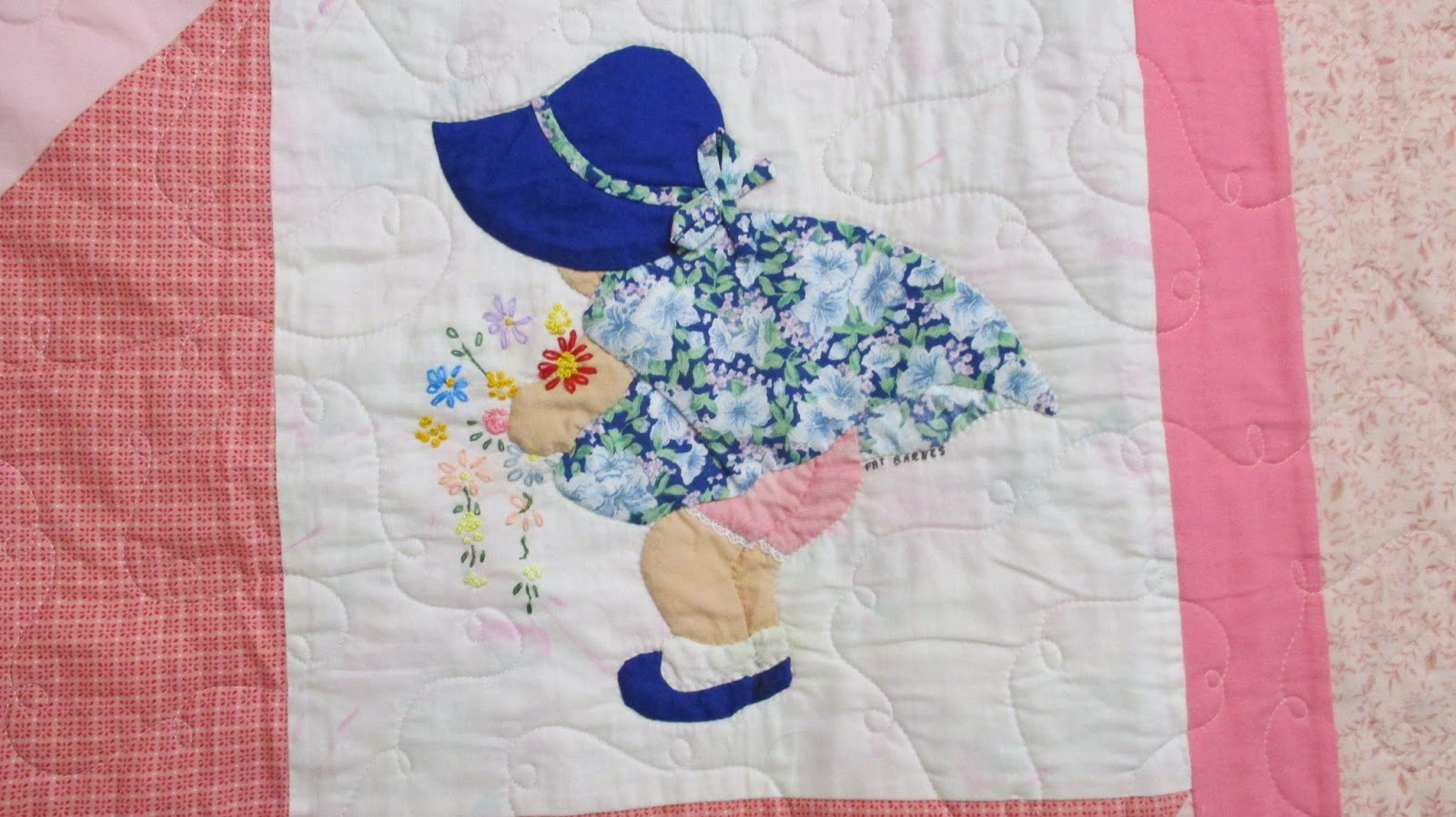 I loved this sunbonnet sue sampler owned pieced and quilted by beverly baumgart alger and the the pink ladies group