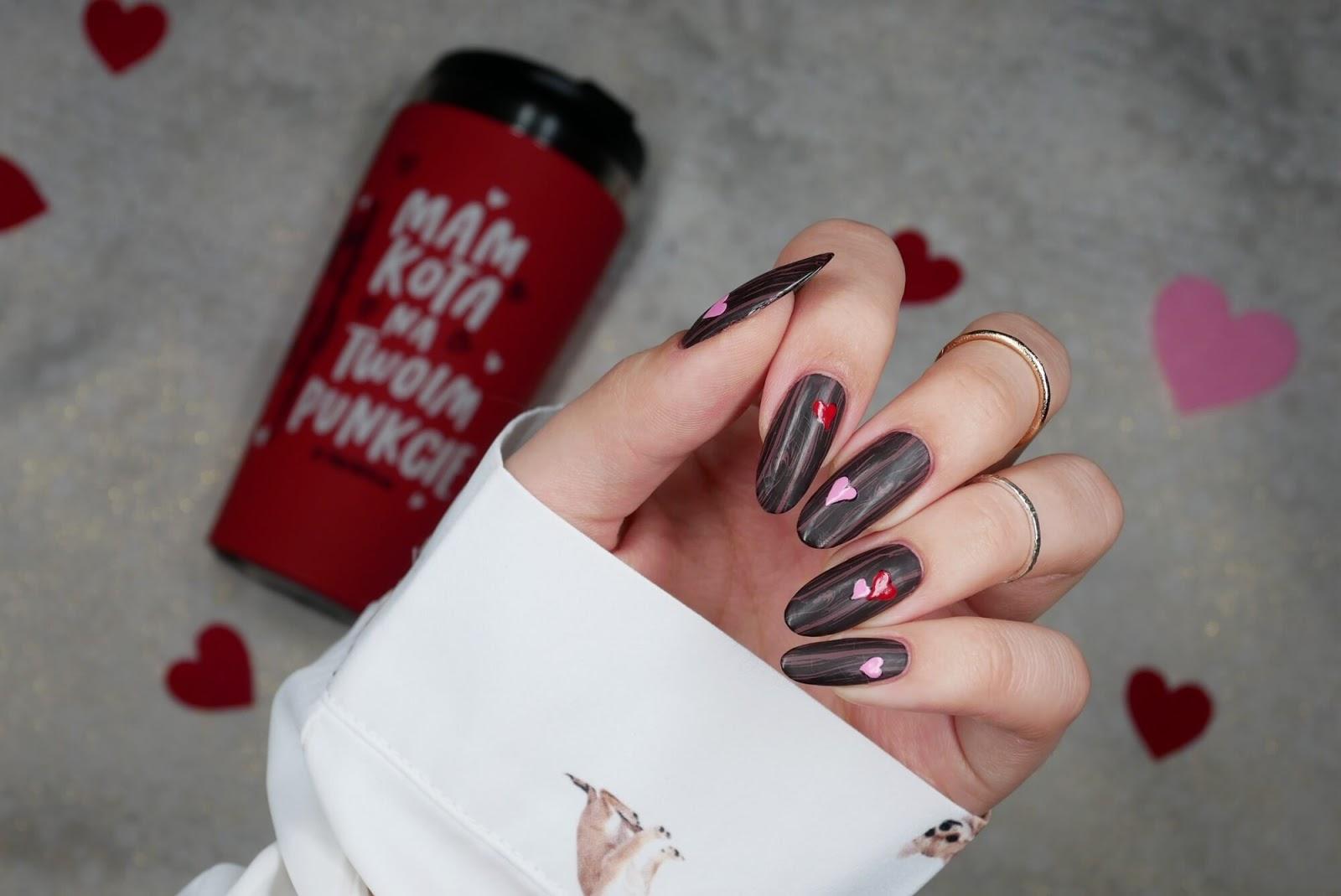 matowe paznokcie brązowe