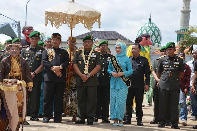Pangdam III/Siliwangi Tandatangani Prasasti  Saat Resmikan Kodim 0624/Kabupaten Bandung