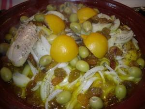 وصفة طاجين الدجاج بالزبيب والبصل