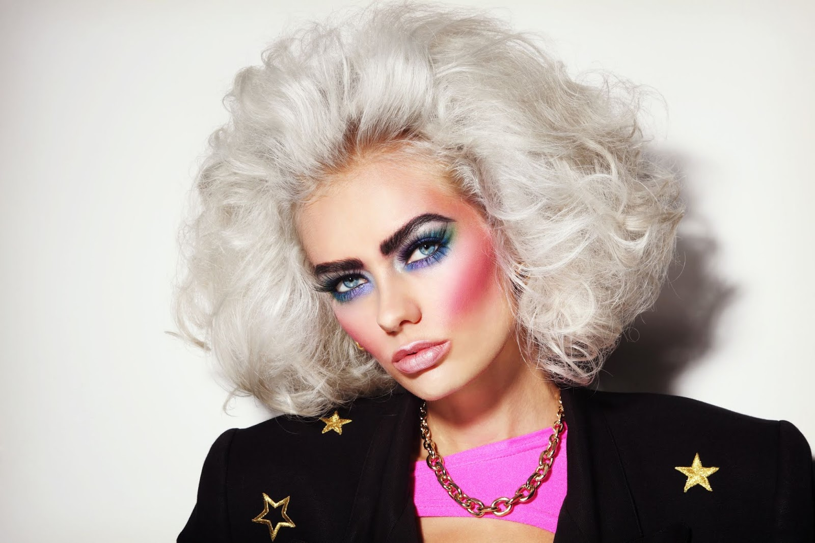 Dani Serpa Os Anos 80 Estão De Volta Na Maquiagem