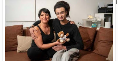 """امرأة ألمانية ترتبط عاطفيـا بـ"""" لاجئ"""" بعمر أولادها وتخسر عملها من أجله !"""