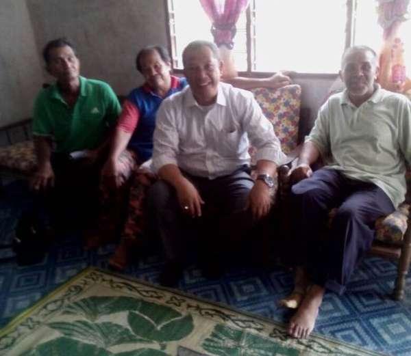 Kampung Kuantan - Menziarah Ahli Keluarga Kepada Arwah Isteri Apak Ghani Yang Meninggal Dunia