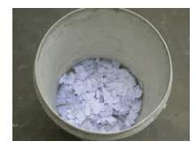 gunting kertas dan masukan dalam ember www.simplenews.me