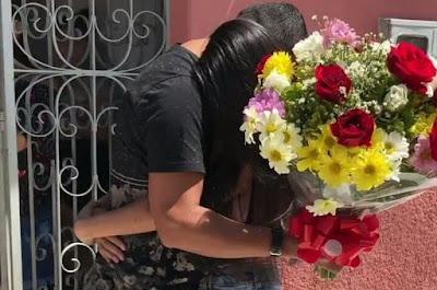 Jovem faz declaração de amor para namorada após passar quase 3 anos preso, em Itaporanga