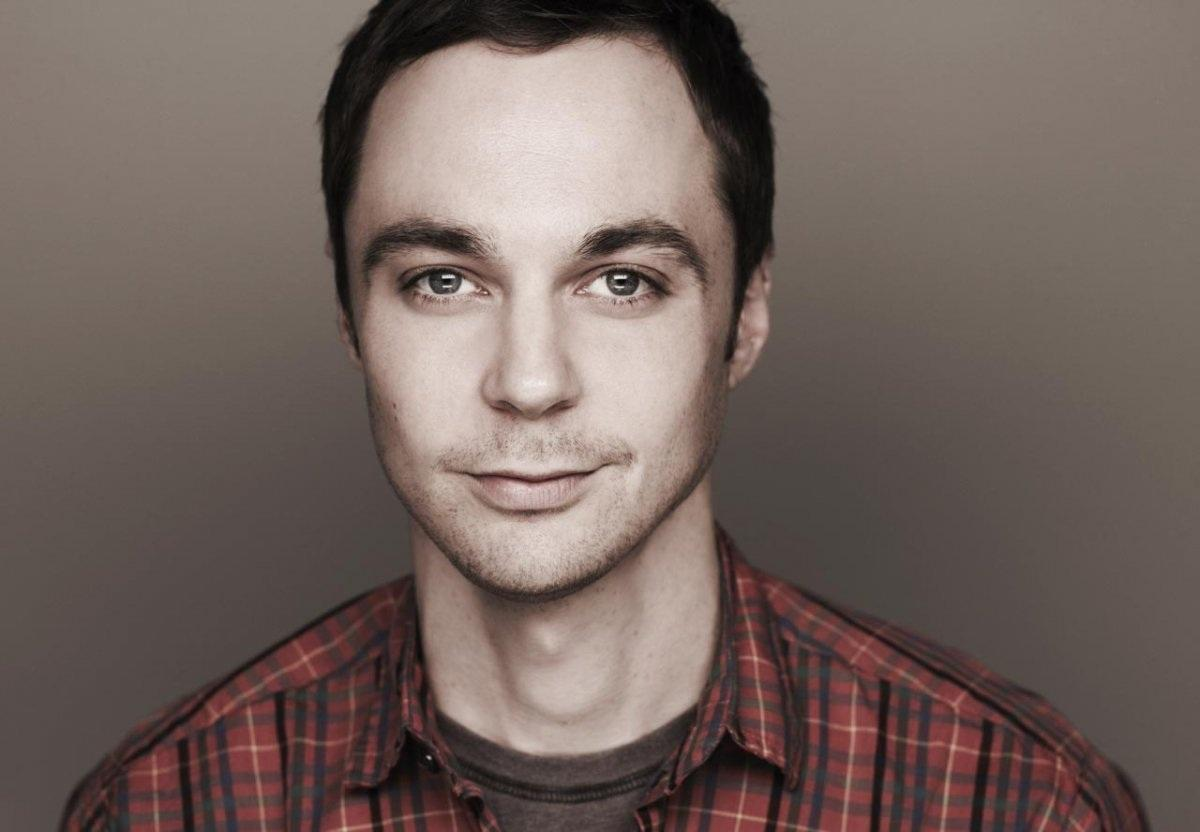 Jim Parsons es Sheldon Cooper en 'The Big Bang Theory'