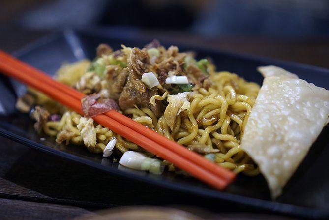 Salah satu menu makanan di Angkringan Mbok Nom Rembang