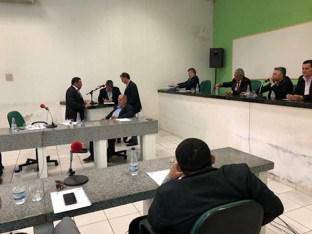 Relator dos julgamentos de contas dos ex-prefeitos de Campo Maior recebe documentação para emitir parecer