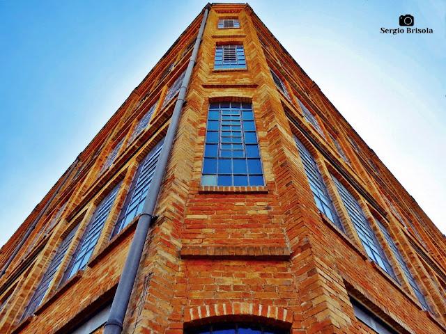 Perspectiva da fachada de esquina do Antigo Cotonifício Rodolfo Crespi -  Mooca - São Paulo
