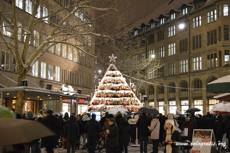Addobbi Natalizi Zurigo.Diario Di Viaggio Ai Mercatini Di Natale Di Zurigo Vologratis Org