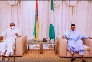 President of Nigeria accepts Madagascar's Coronavirus Organics