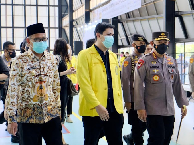 Wakil Walikota Dampingi Kapolri Kunjungi Sentra Vaksinasi Mahasiswa UI