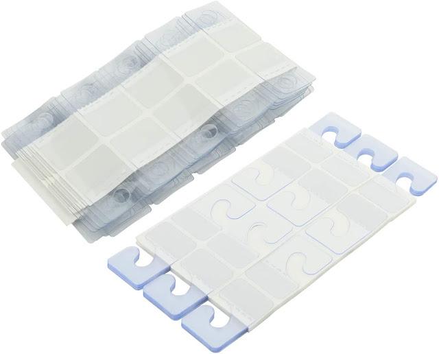 Plastic hang tab dùng để treo sản phẩm nhẹ lên giá treo hàng