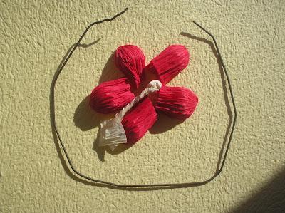 Kwiatuszki z krepiny -  krok po kroku