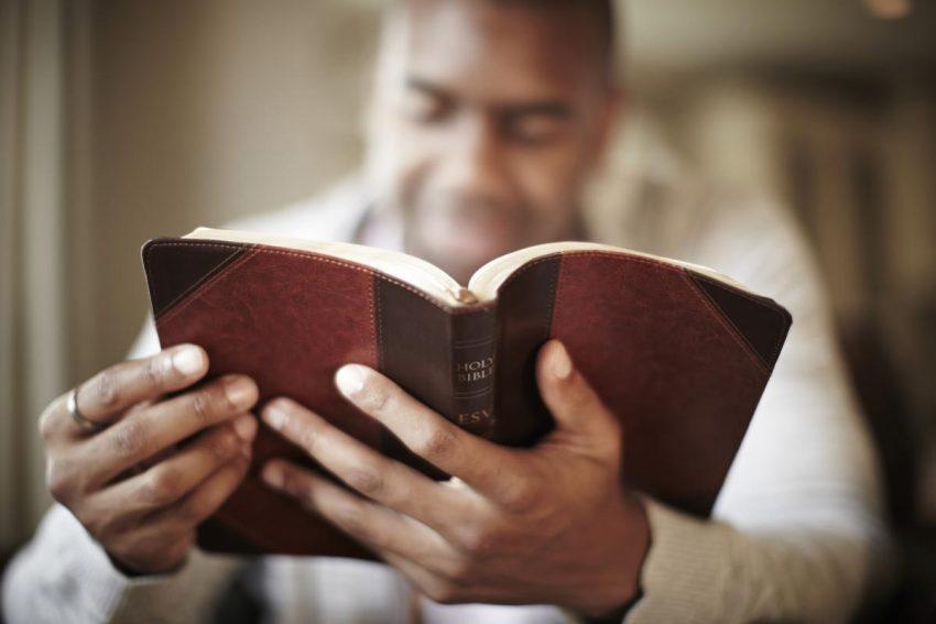 Permanecendo Focado em Deus e Seus Propósitos Durante Tempos Sombrios