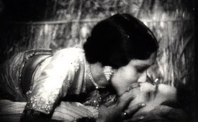 Bollywood Hindi Movie First Bold Lip Lock Kiss 1933 Actress Devika Rani and  Himanshu Rai