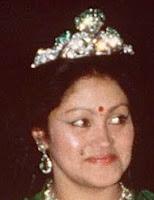 emerald tiara nepal queen ratna aishwarya rajya lakshmi devi shah