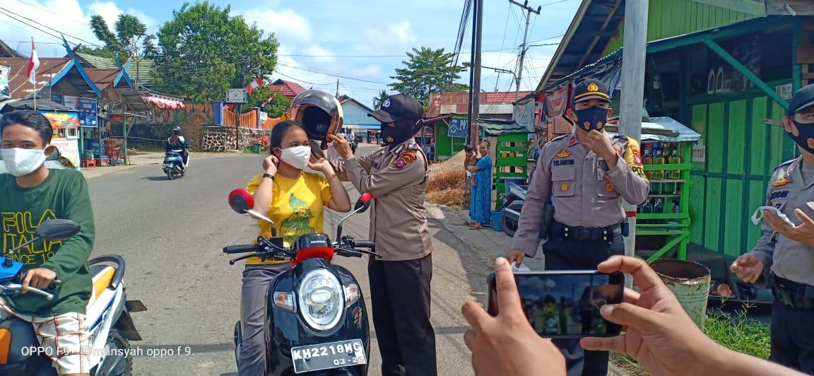 Polsek Murung Bagikan Masker, Disiplinkan Masyarakat