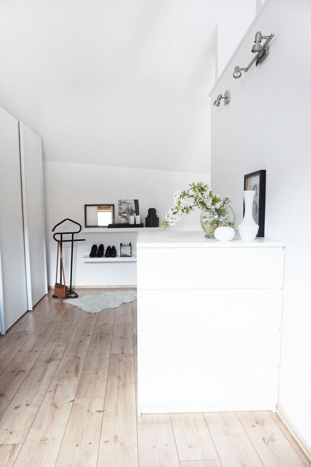 fr hjahrsputz mit dyson und meine top 5 putzsongs s t i l r e i c h blog. Black Bedroom Furniture Sets. Home Design Ideas