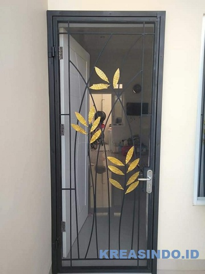 Ini Dia 10 Lebih Model Pintu Kawat Nyamuk Besi Bisa Referensi untuk Rumah Anda