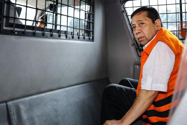 "Fenomena: Setya Novanto dan Para Loyalisnya yang Mulai ""Berguguran""..."