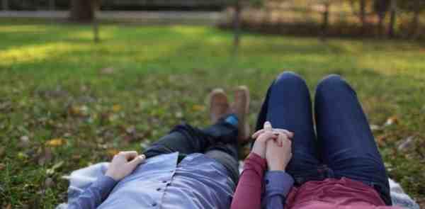 Mencintai Seseorang Memang Sah-sah Saja, Tapi Jangan Sampai Rela Korbankan 6 Hal Ini Hanya Demi Dia