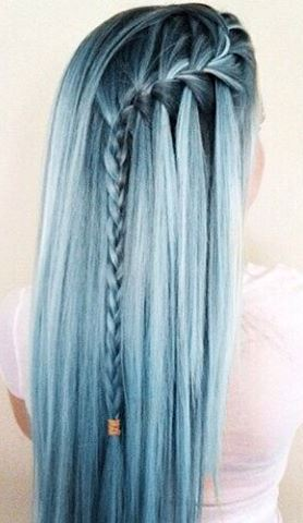 blue color hairstyle idea