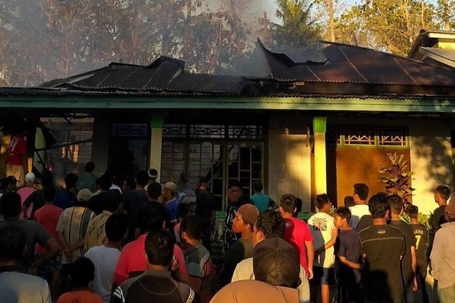 Si Jago Merah Mengamuk di Lapri, Rumah Warga di Hangus Terbakar - BONE TERKINI