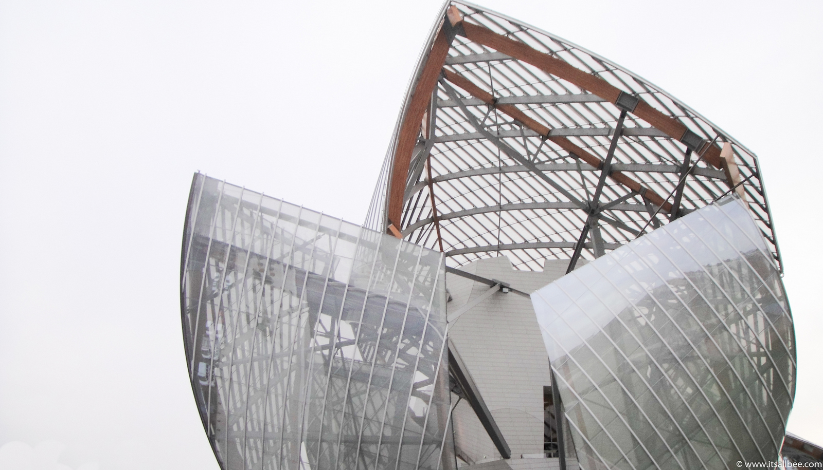 Foundation Louis Vuitton In Paris - fondation louis vuitton frank gehry - Tips on Fondation Louis Vuitton Museum Tickets, opening Hours and Metro directions from Paris.