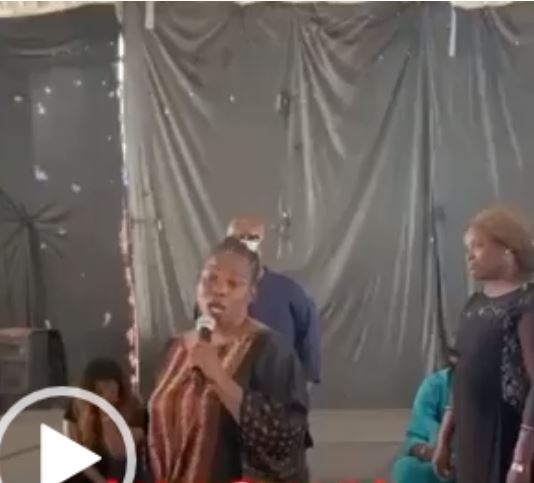 Emotional Video Of Nigerian Actress, Ada Ameh Singing At The Burial Of Her Daughter #Arewapublisize